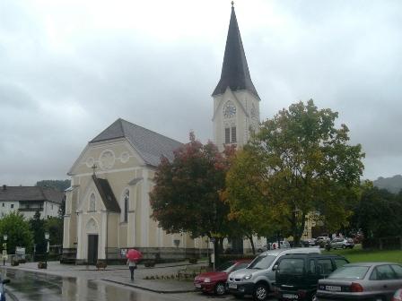 Blick zur Kirche von Ertl
